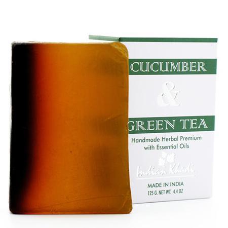 Купить Натуральное мыло-скраб с огурцом, настоем и листьями зеленого чая indian khadi